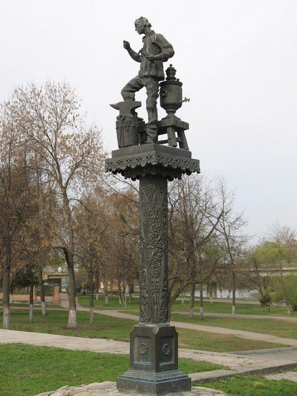 памятник лескову в орле картинка поведал, как однажды